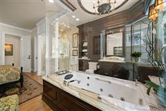 Fort Pointe luxury homes