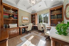 Fort Pointe luxury real estate