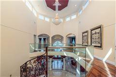 Breathtaking& Beautiful! luxury properties