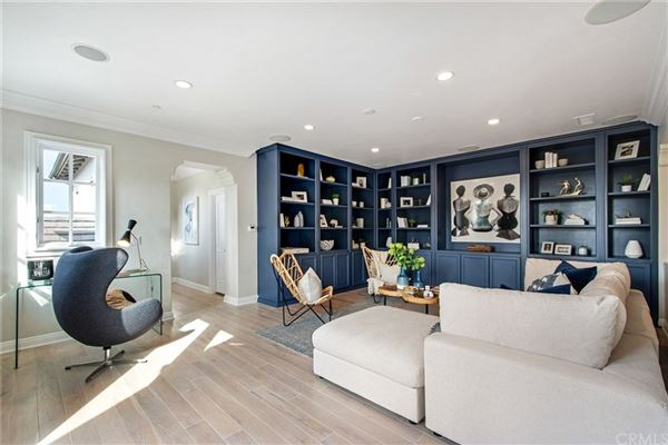 Mansions Semi-custom view home with attention to every detail