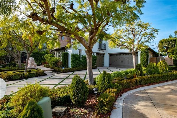Luxury homes Semi-custom view home with attention to every detail
