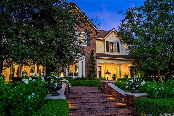luxurious equestrian estate in Nellie Gail luxury homes