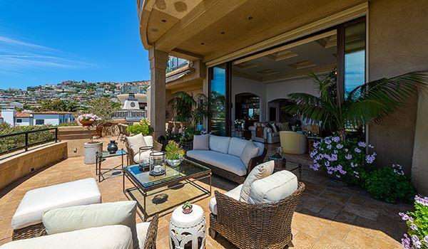 Luxury real estate Maison De Cap in laguna beach