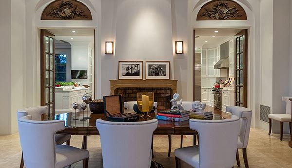 gracious and casually elegant contemporary Villa luxury real estate
