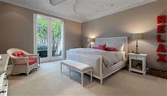 gracious and casually elegant contemporary Villa luxury properties