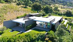 The Wild Lilac House mansions
