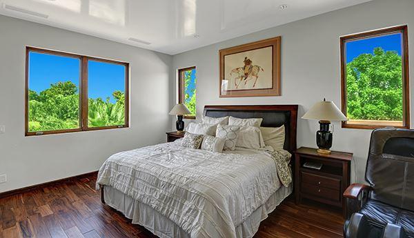 Mansions Extraordinary custom retreat with mountain views