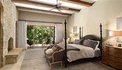Luxury real estate gorgeous lakefront home in ShadowLake Estates