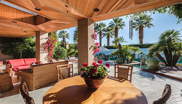 Luxury homes immaculate home in Tamarisk Country Club