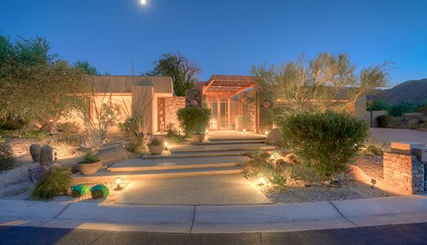Contemporary home in indian wells mansions