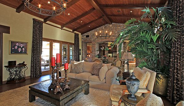 Luxury homes South facing Tuscan estate with exquisite finishes