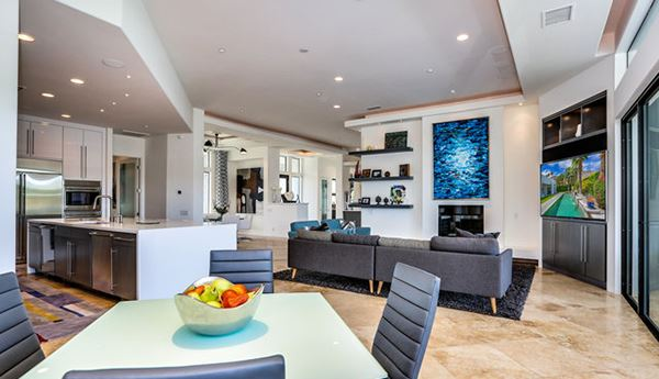 grand scale living luxury homes