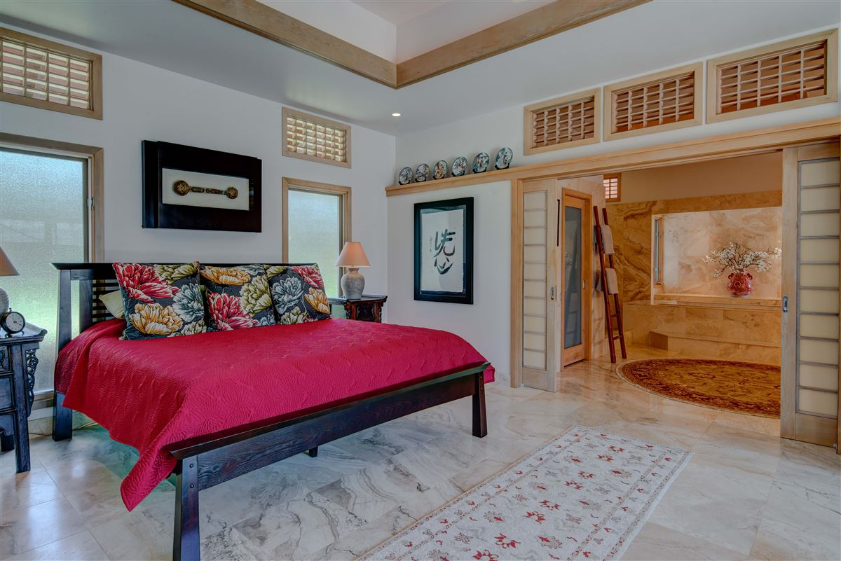 Luxury properties perfect Hawaiian portrait