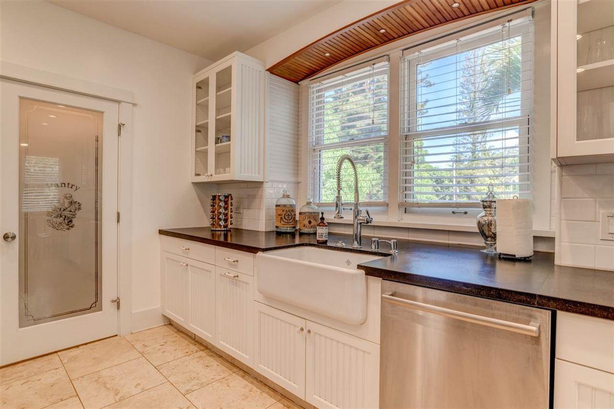 California Craftsman on Maui luxury properties