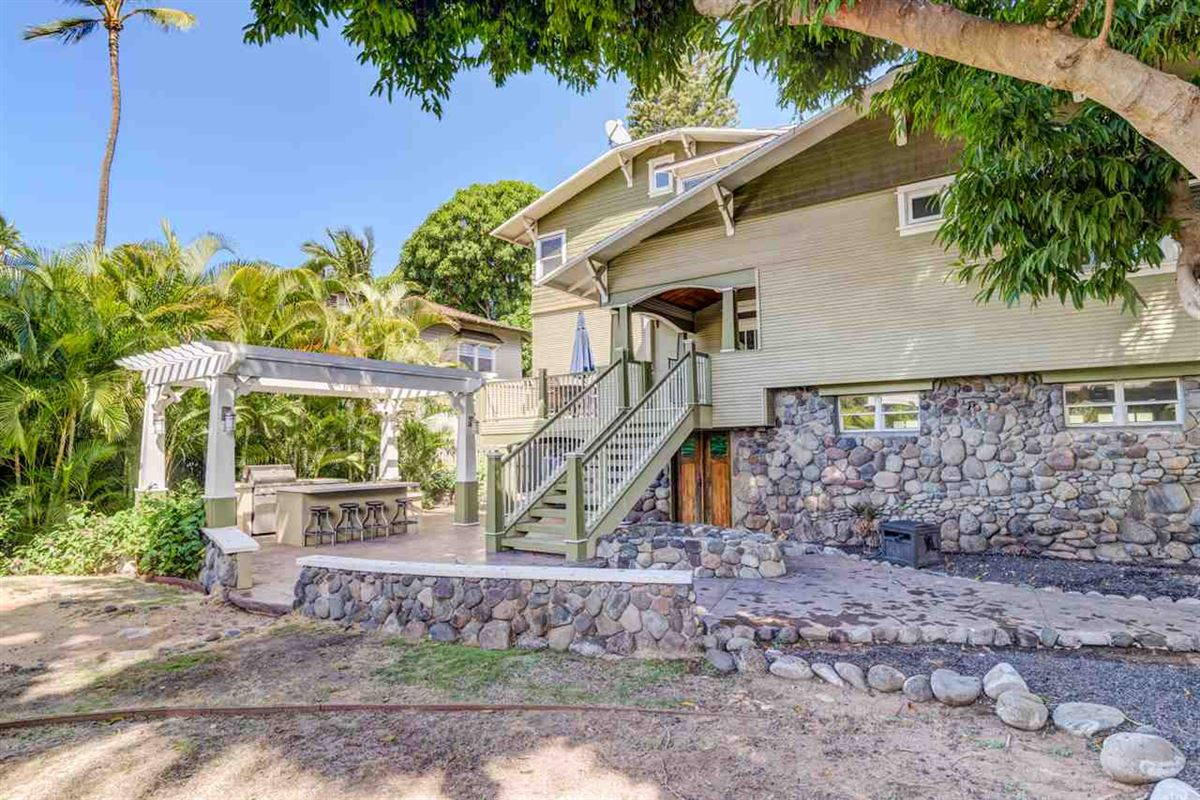 Mansions in California Craftsman on Maui