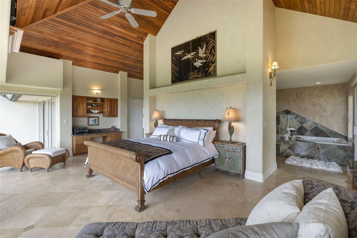 Spectacular view estate in Lihue luxury properties