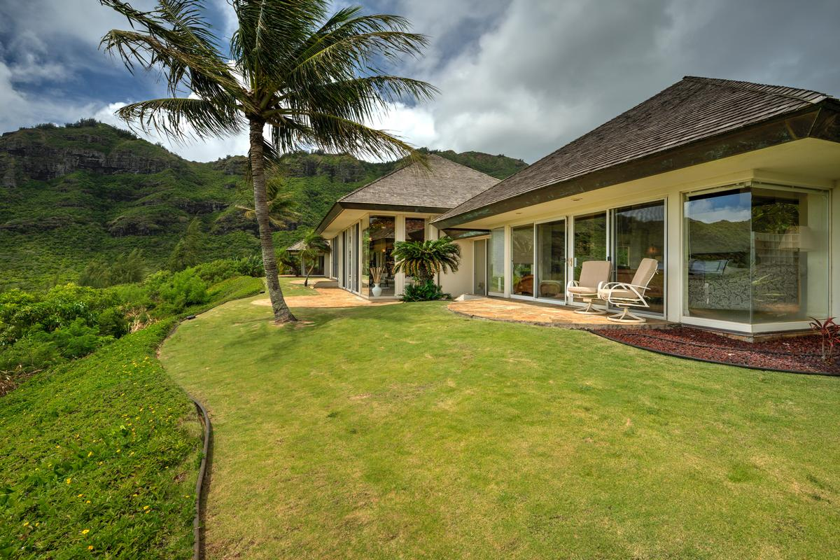 Mansions in Spectacular view estate in Lihue