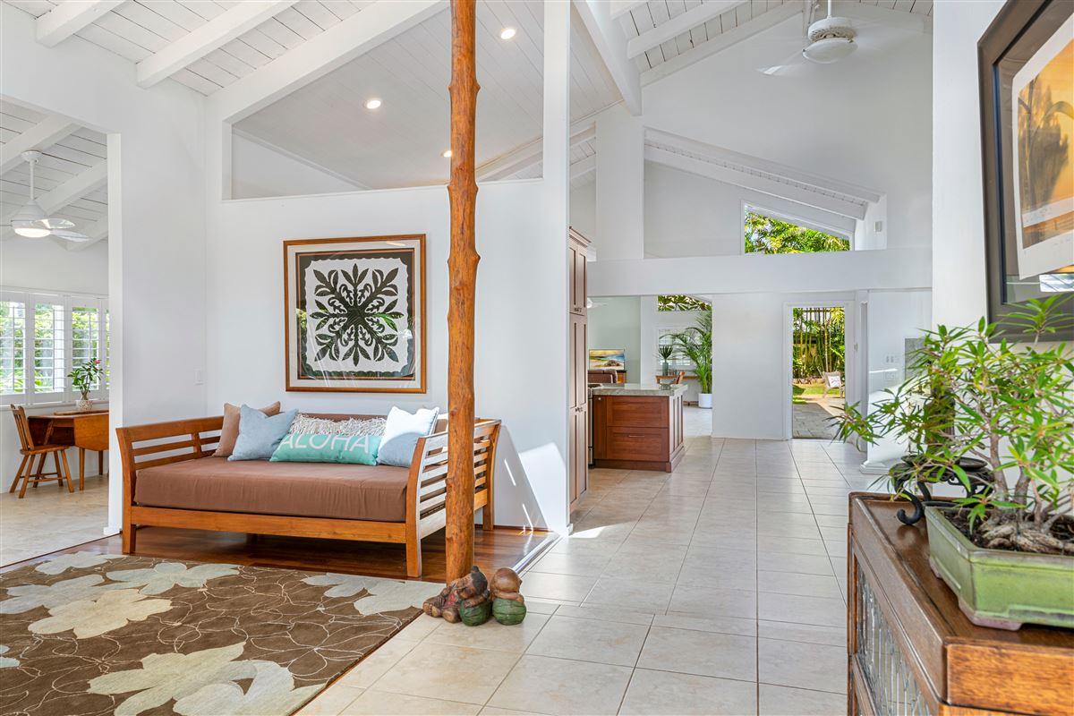 Luxury real estate Gorgeous Kaimalino single-level property