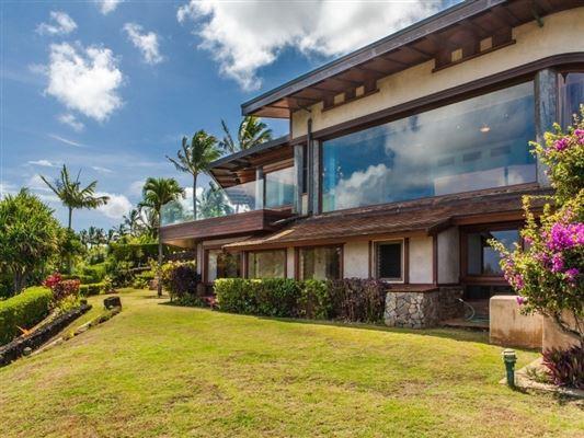 Mansions singular ocean views
