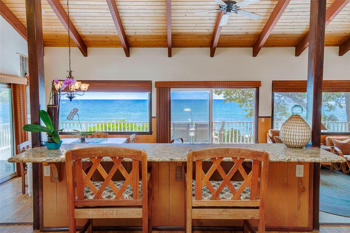 Mansions in Unique Beachfront Home in Moloaa Bay