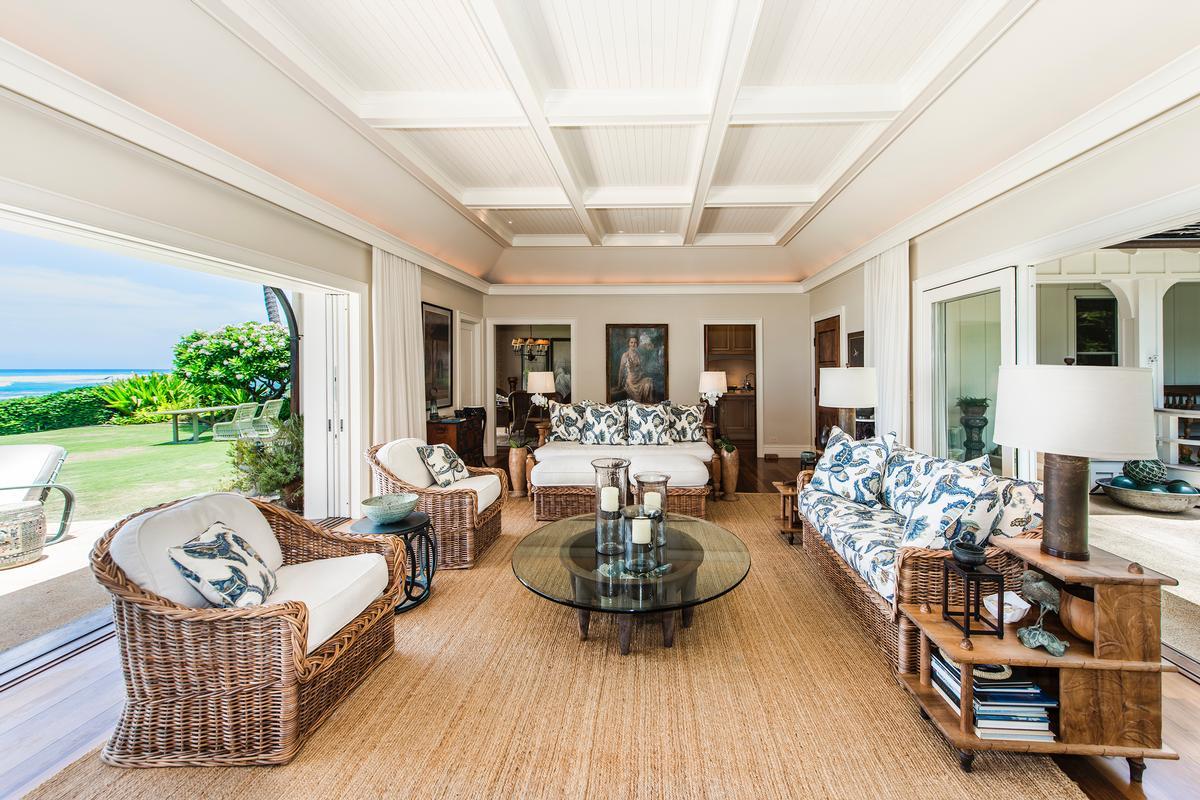 Luxury real estate beachfront diamond head retreat