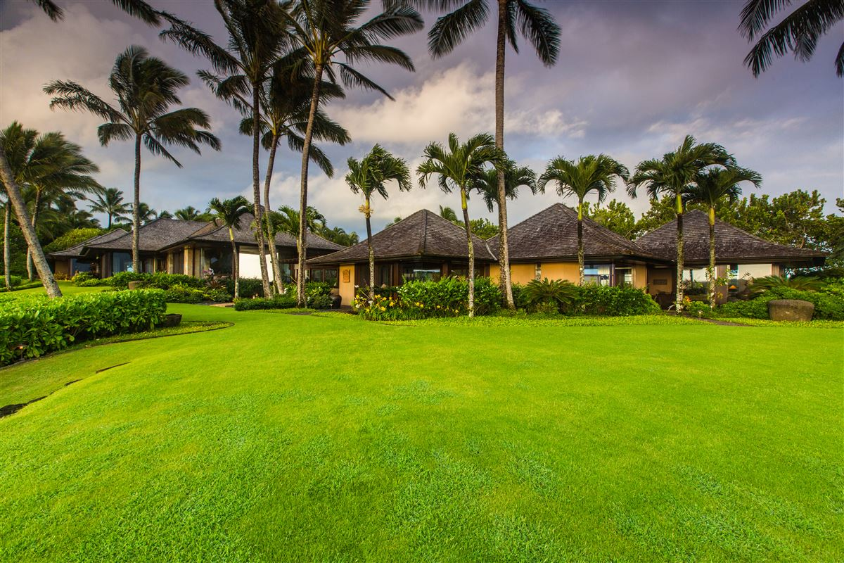 Luxury homes The Point at Anini Vista