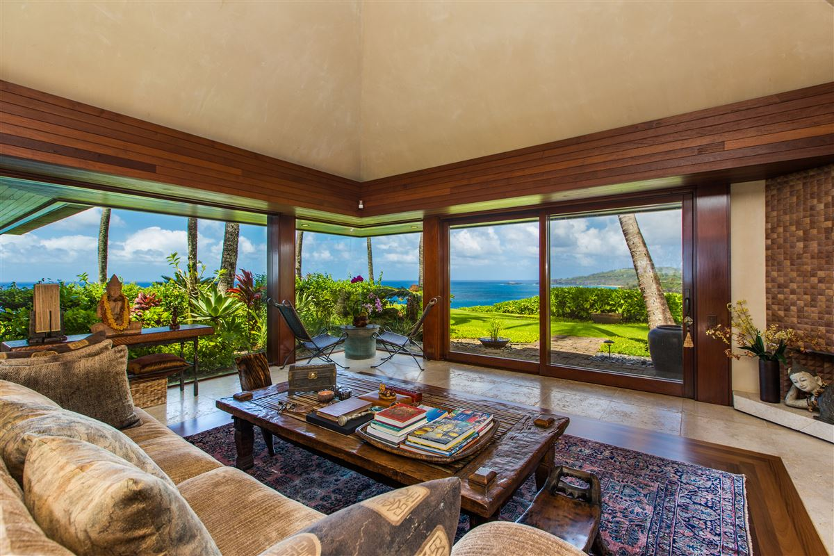 Mansions The Point at Anini Vista