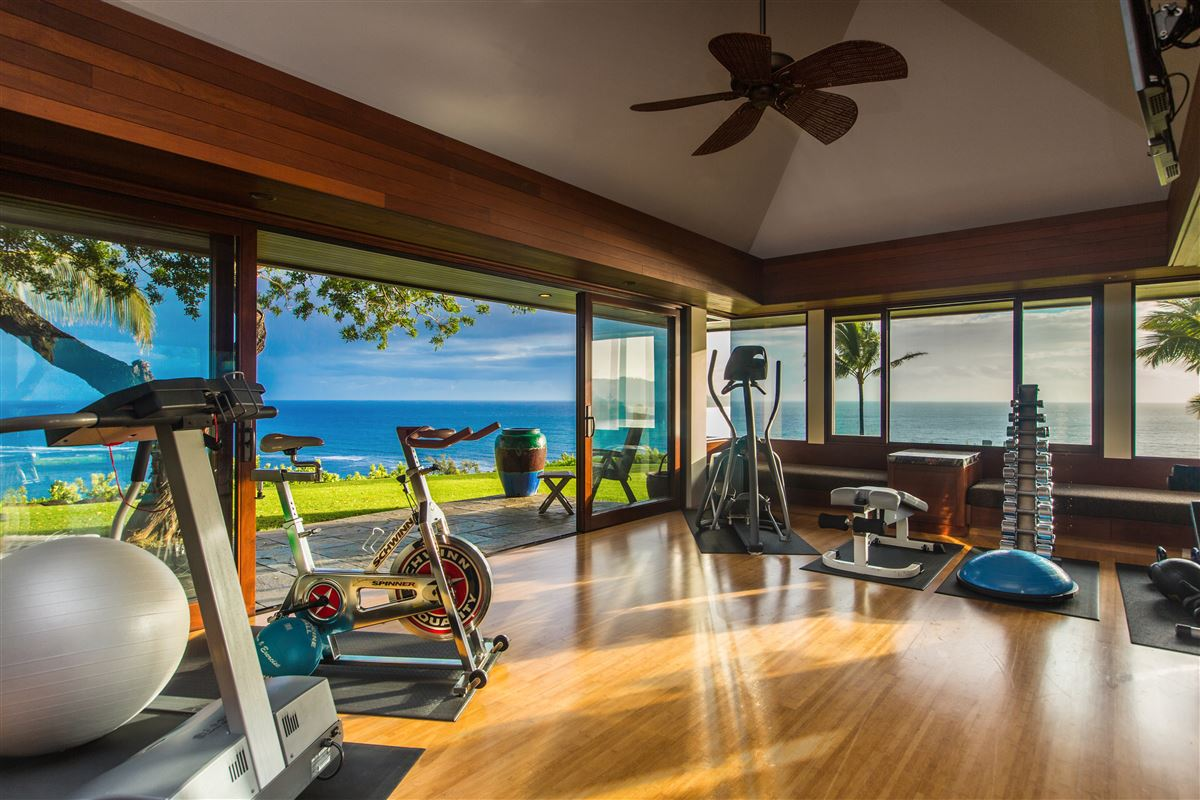 Luxury properties The Point at Anini Vista