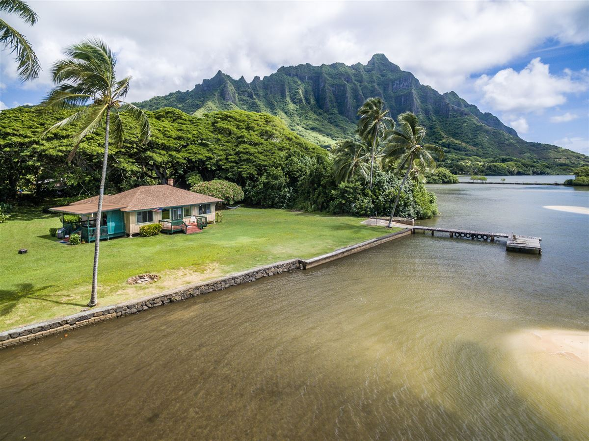 oceanfront property reminiscent of Old Hawaii  luxury homes