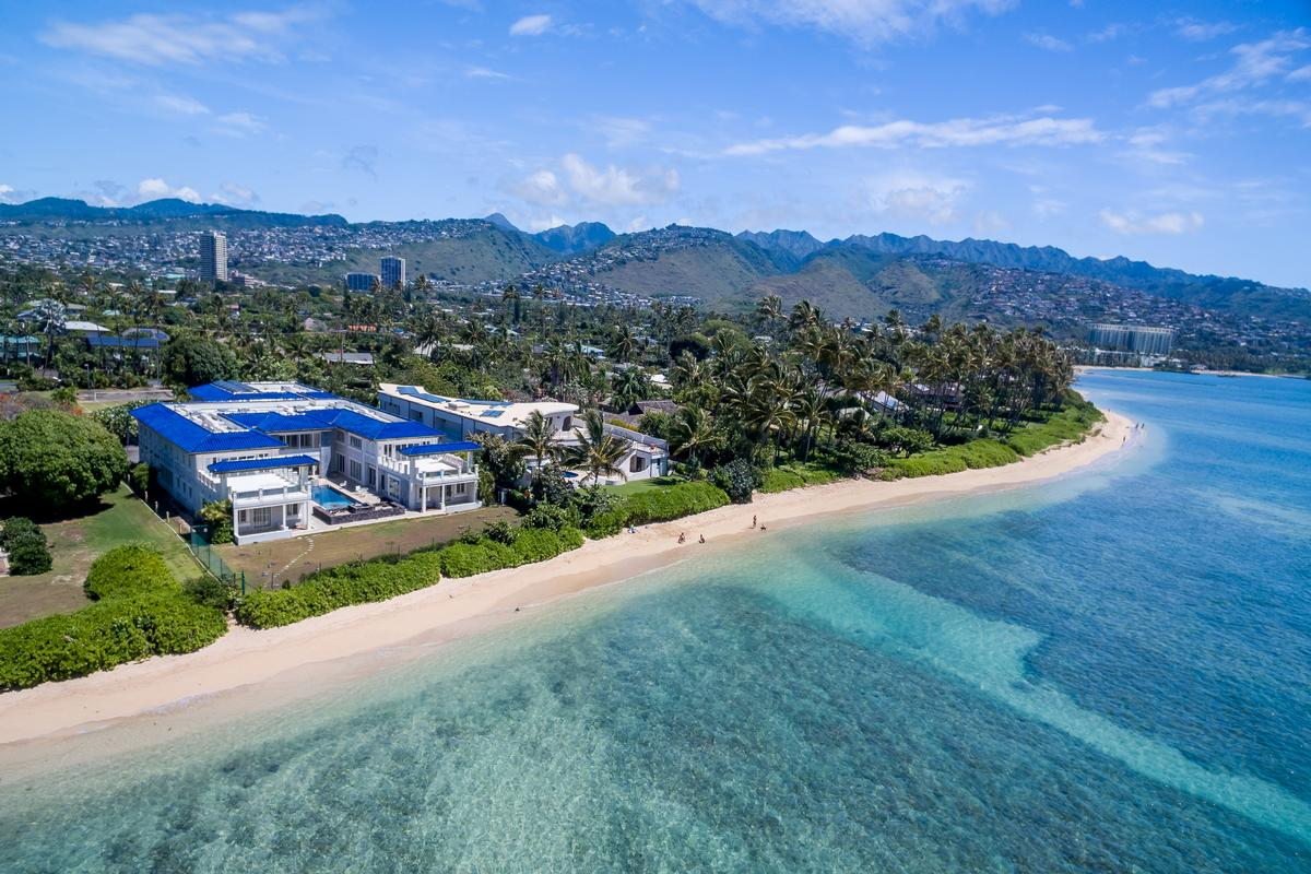 Charming Prestigious Beachfront Estate