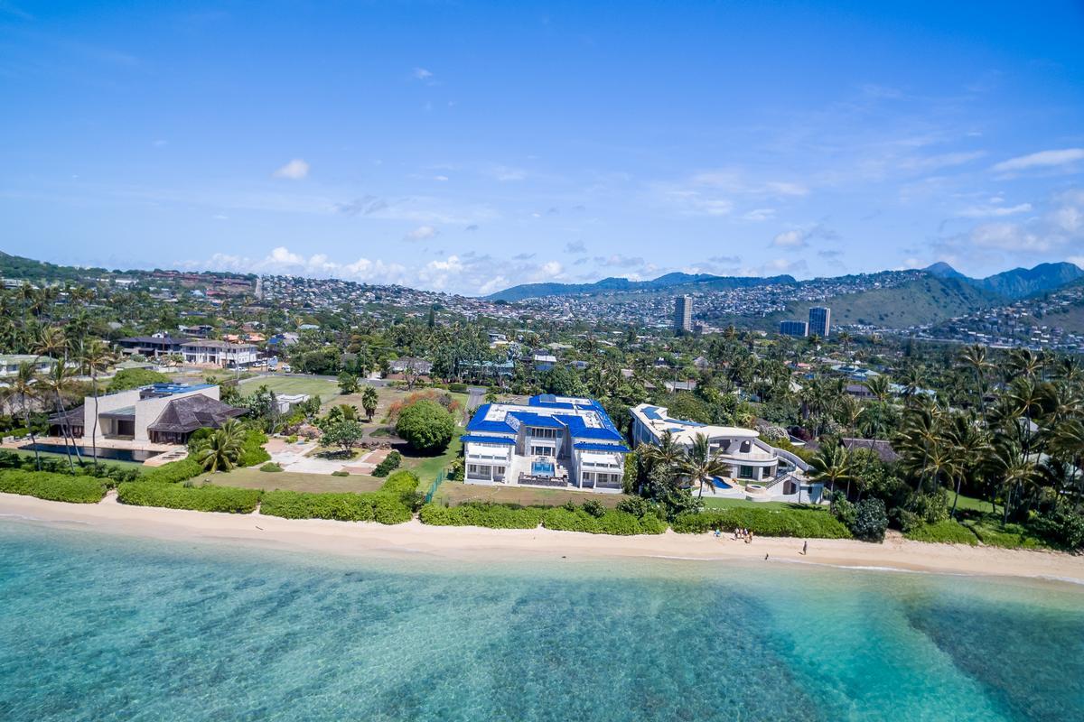 Prestigious Beachfront Estate mansions