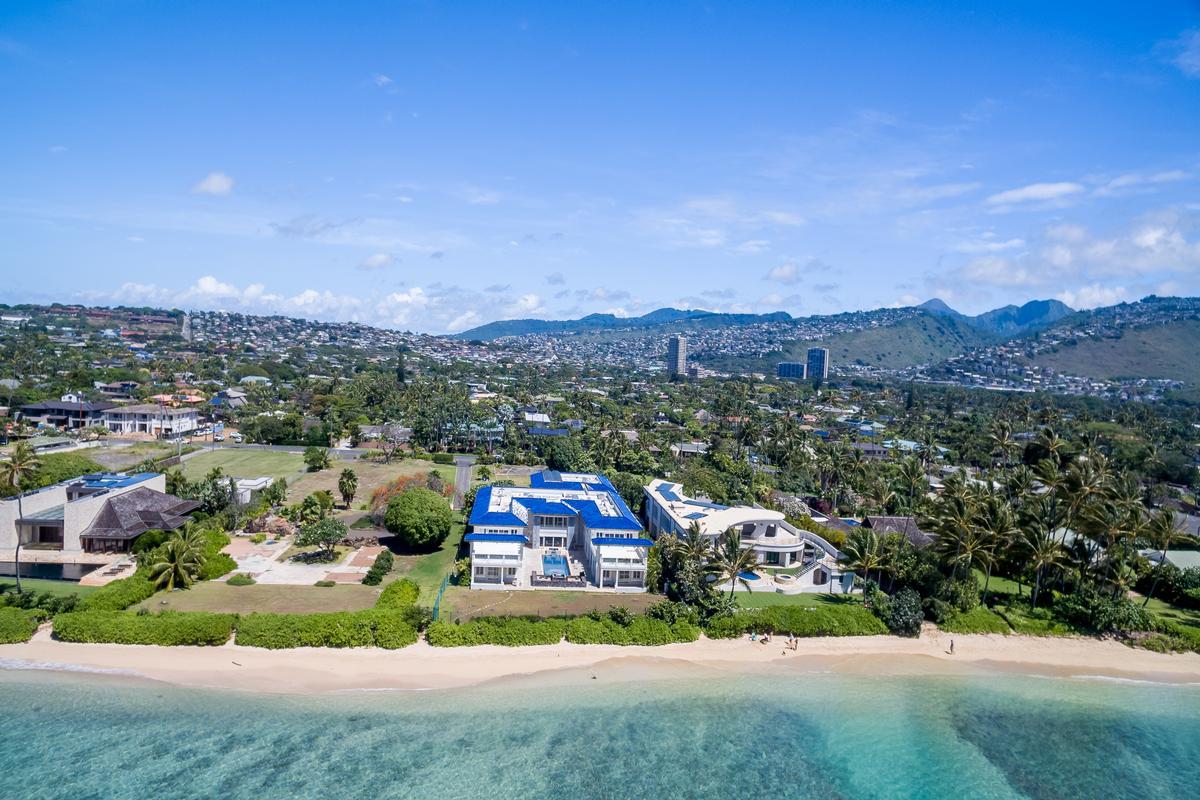 Luxury homes in Prestigious Beachfront Estate