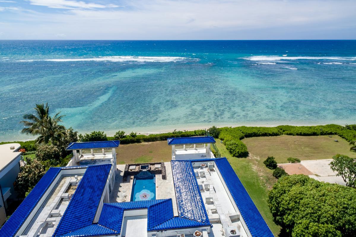 Mansions in Prestigious Beachfront Estate