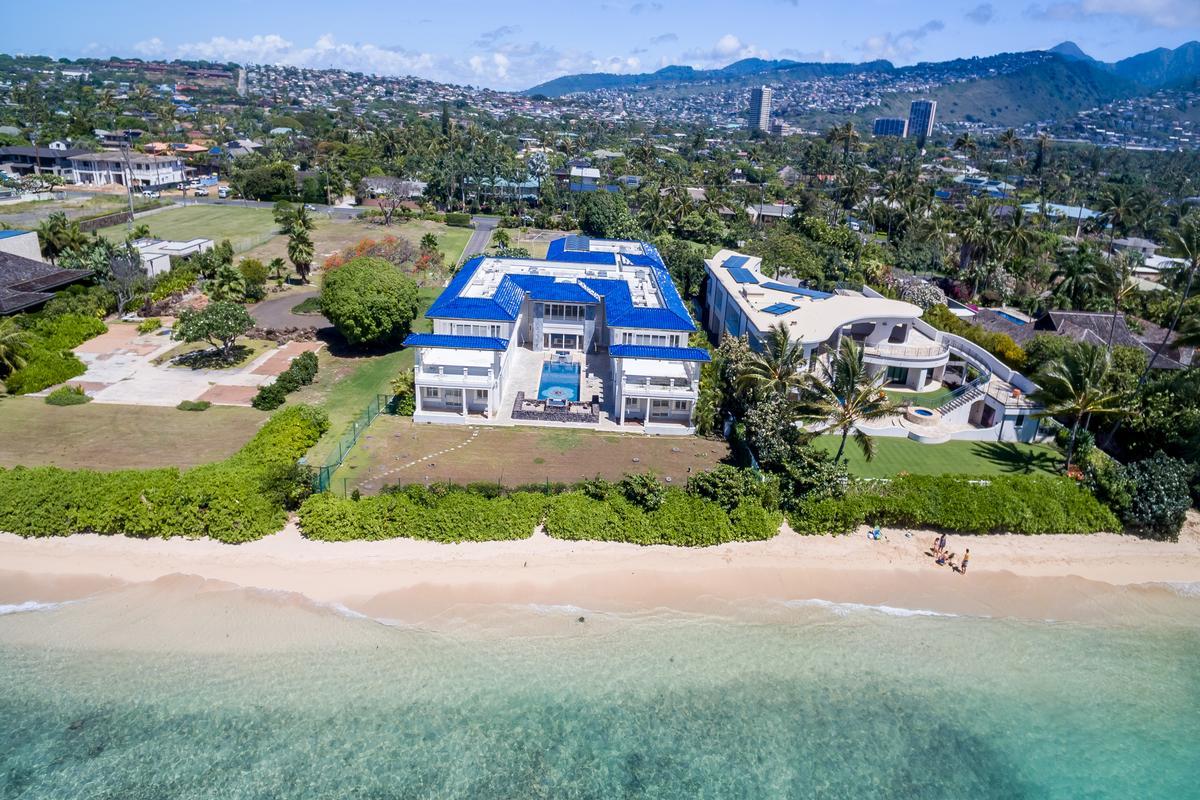 Luxury real estate Prestigious Beachfront Estate