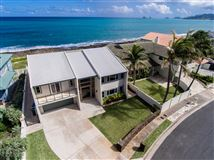 Luxury homes in OCEANFRONT Kaimalino property