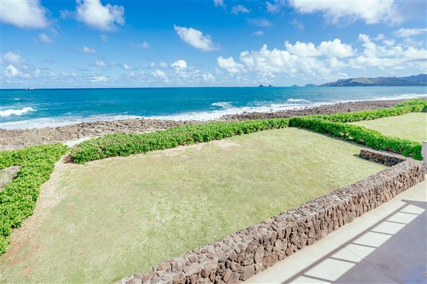 Luxury real estate OCEANFRONT Kaimalino property