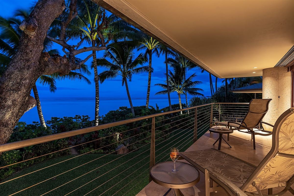 Luxury real estate Sophisticated contemporary oceanfront home