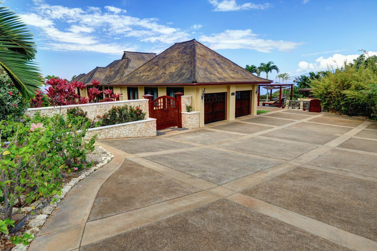 Luxury homes in Aloha Spirit Maui