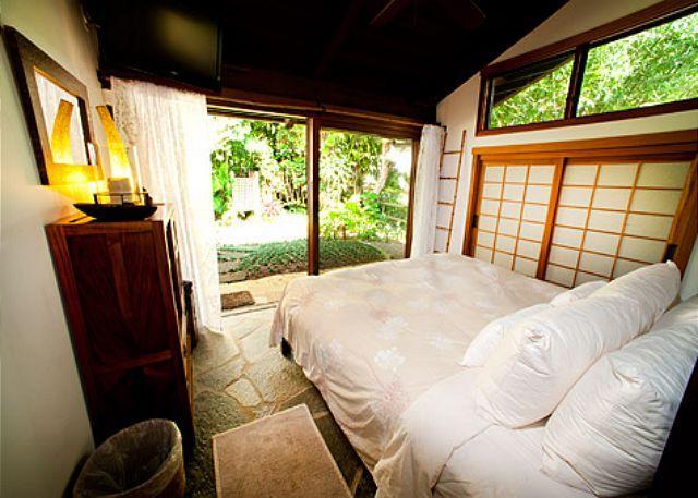Hale Maluhia luxury homes