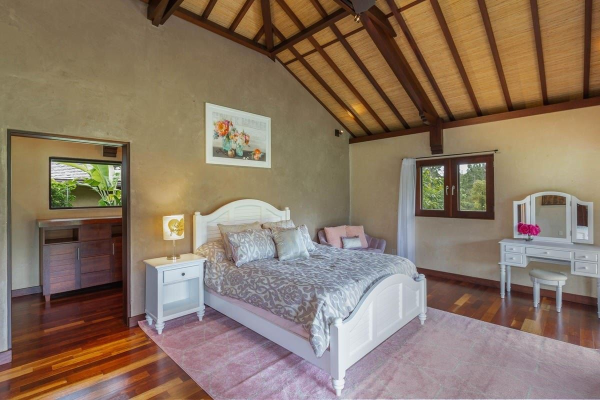 Luxury homes exquisite Bali style home on seven acres