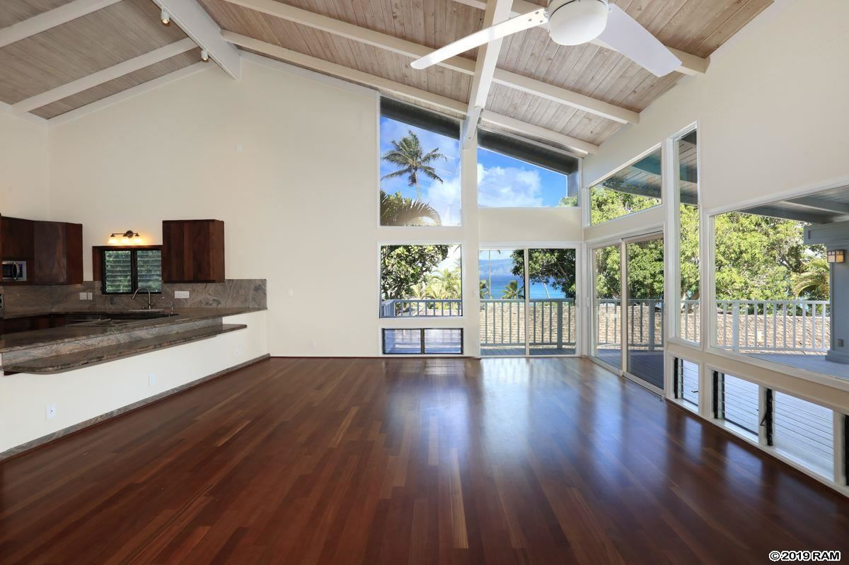 Mansions Recently upgraded Napili home
