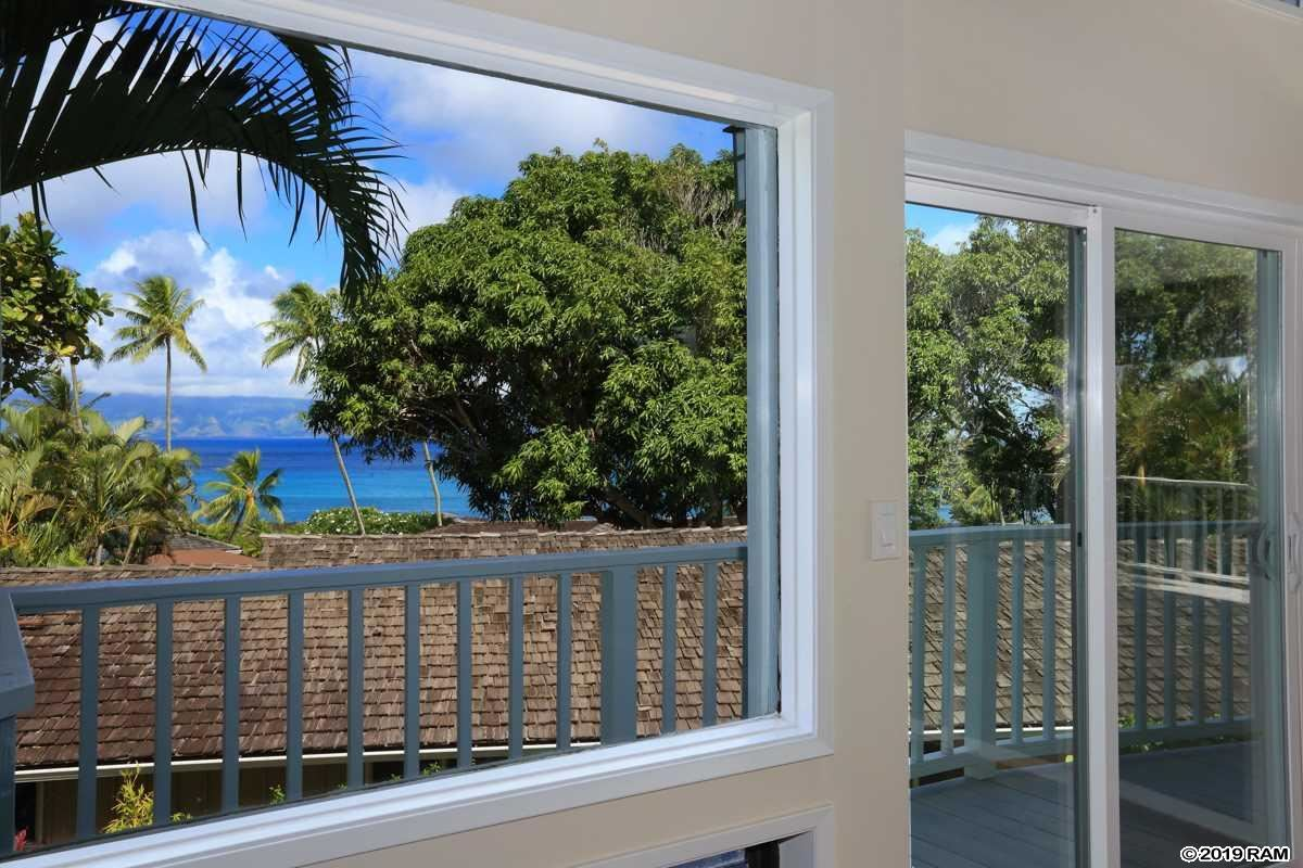 Mansions in Recently upgraded Napili home