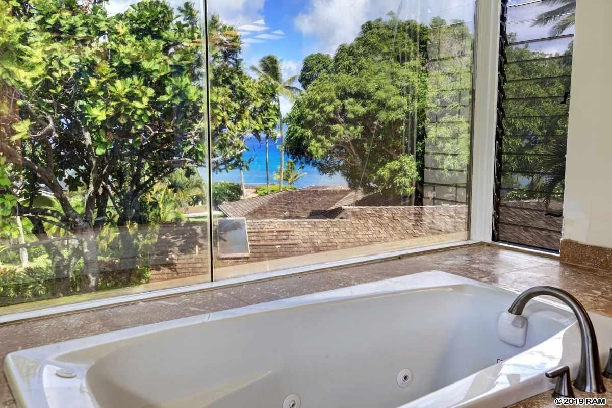 Luxury homes Recently upgraded Napili home