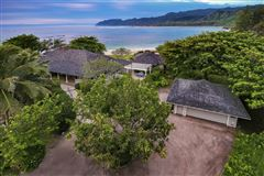BEACHSIDE LODGE mansions
