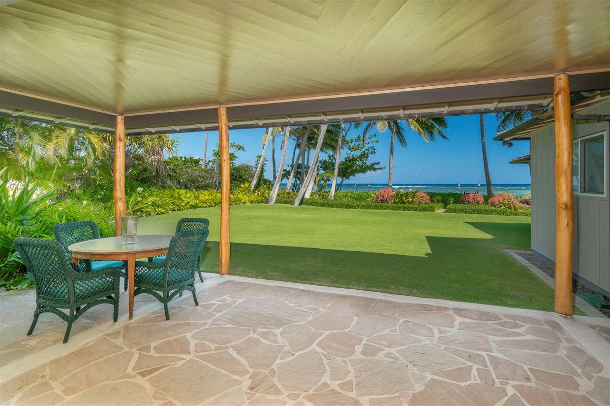 Luxury homes largest kahala avenue beachfront property on the market