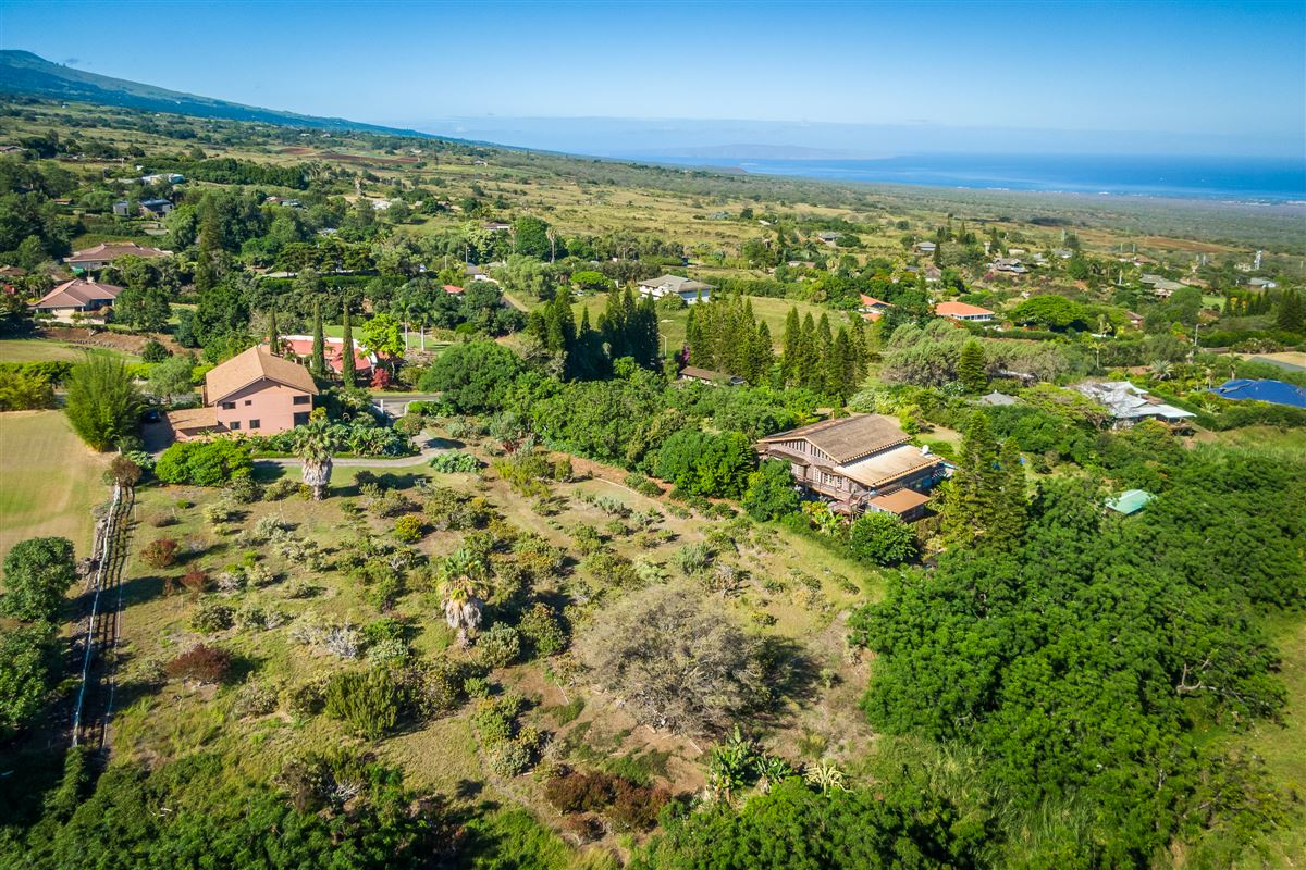 unique property in Kula Glen mansions