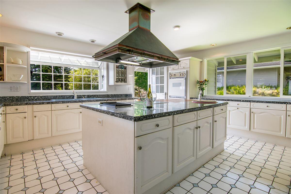 Luxury properties Maui Oceanfront Estate