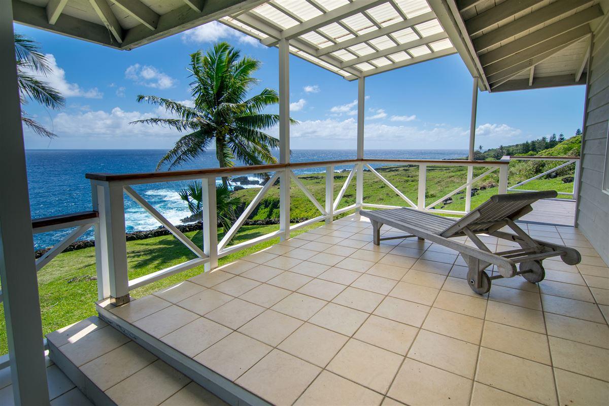 Maui Oceanfront Estate  mansions
