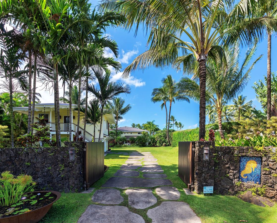Luxury homes in Hanalei Beachfront Estate
