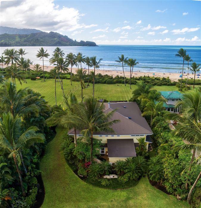 Mansions in Hanalei Beachfront Estate